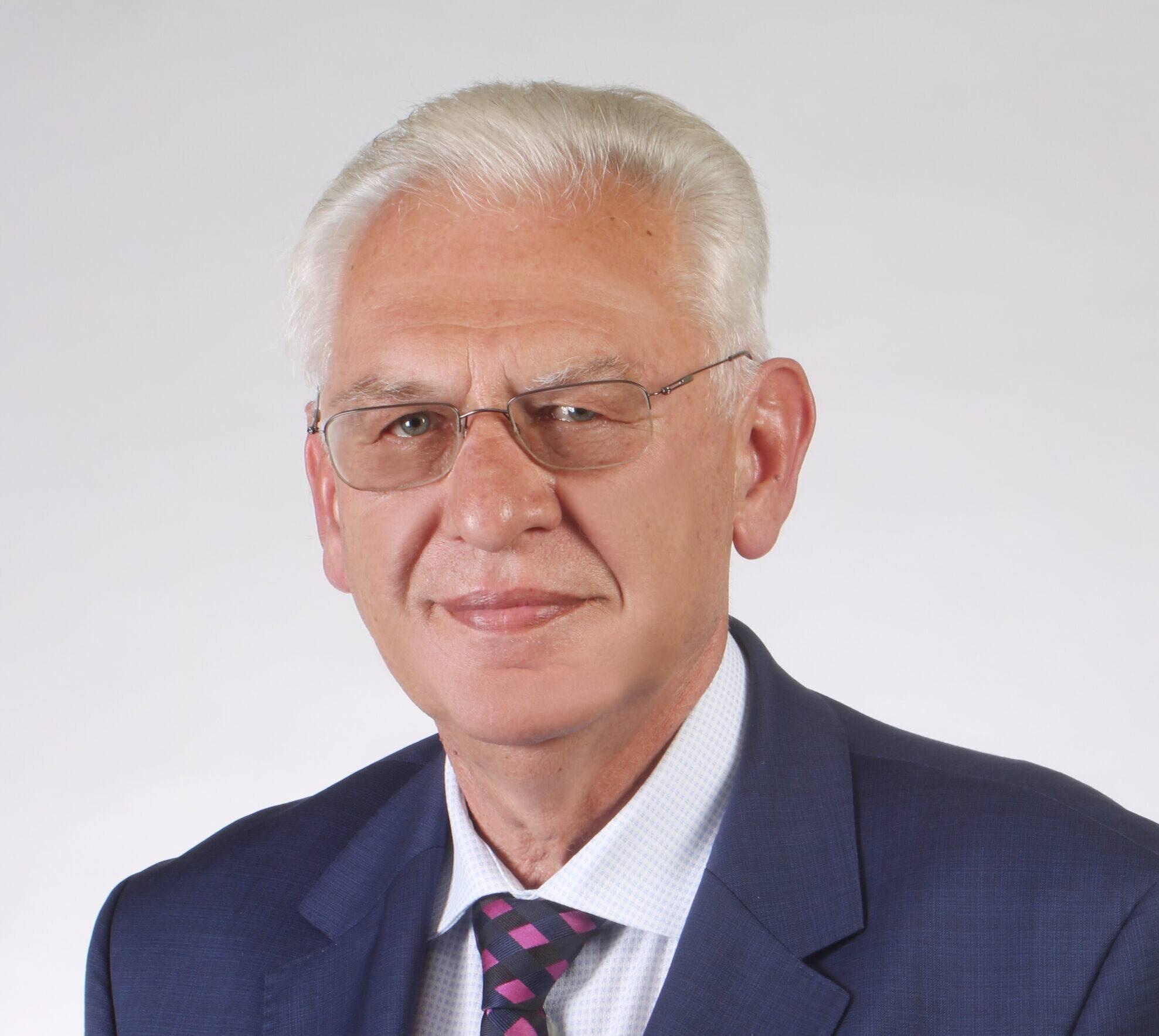 Prof. Mieczysław Walczak: Jest lepiej, ale do tego, żeby było dobrze, sporo brakuje